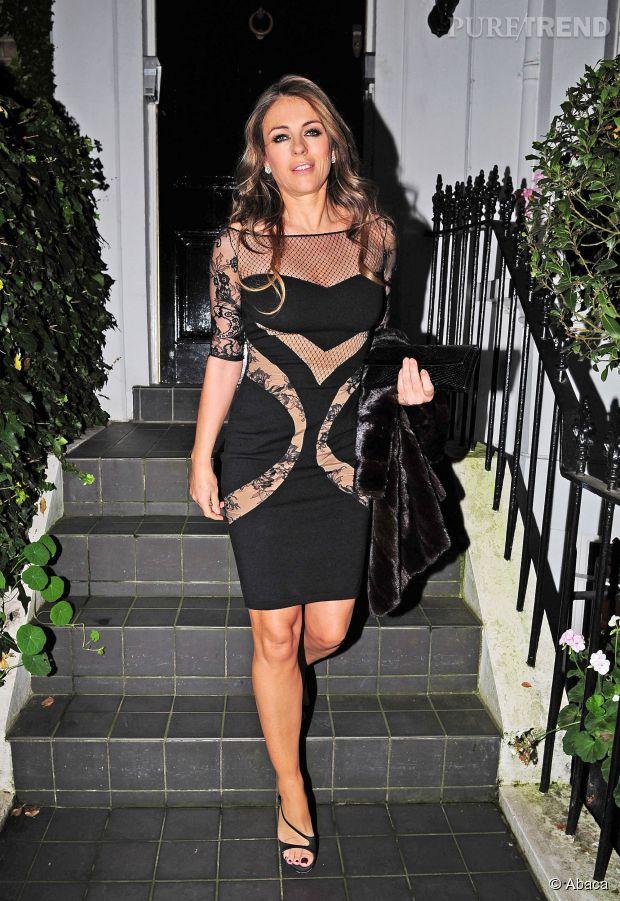 Elizabeth Hurley, toujours aussi sexy à 48 ans...