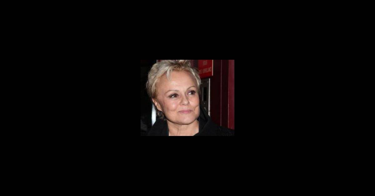 Muriel robin actu mode et photos for Muriel robin le salon de coiffure