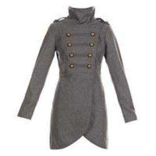 Long manteau avec un capuchon