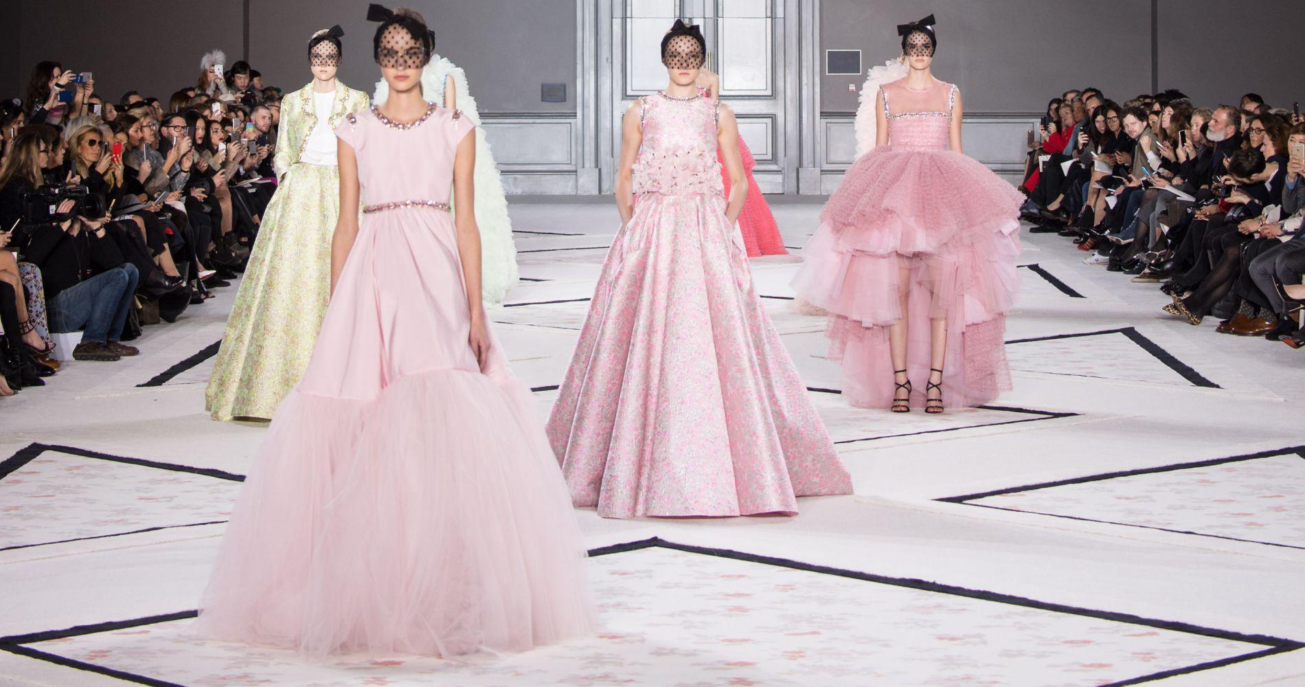 Retrouvez tous les défilés Haute Couture