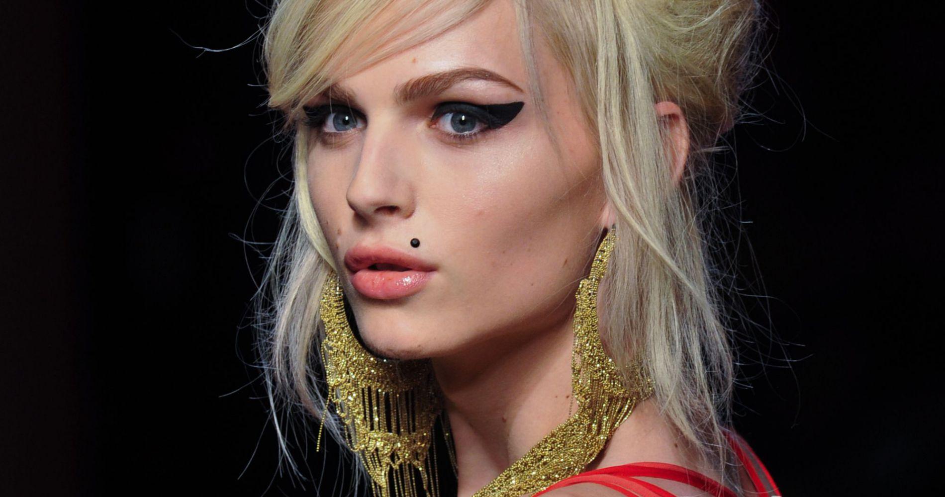 Le mannequin transexuel Andreja Pejic devient égérie de Make Up For Ever