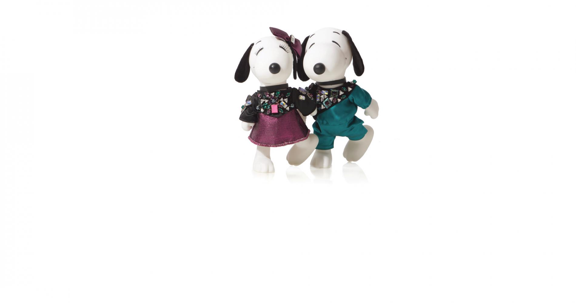Snoopy et Belle, relookés par les plus grands couturiers de mode